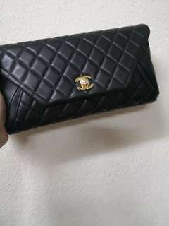 Chanel clucth