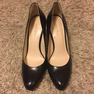 Nine West Size 7 Leather Pumps