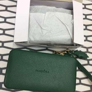Pandora limited edition box