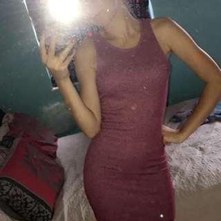 Stretchy long pink dress