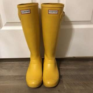 Yellow hunter rain boots