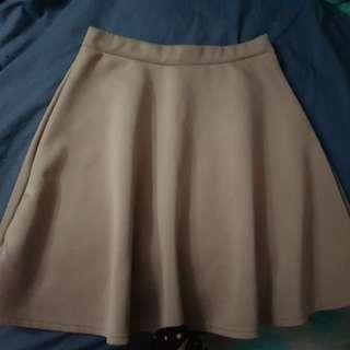 BNWT Boohoo skirt