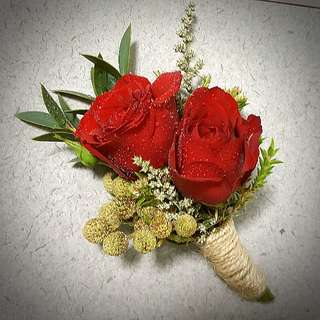 Wedding Flowers : Boutonnieres and Corsages