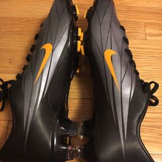 Nike Soccer Cleats *NEW*