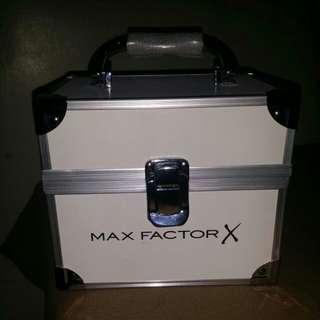 Max factor make up kit