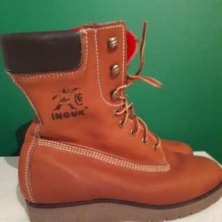 Vintage Inouk  Boots- Genuine Leather- Size 7.5 Men's (9.5 Women's)