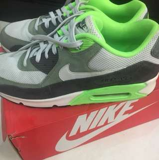Nike Air Max (complete with Box)