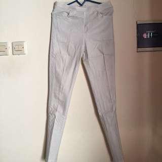[PRELOVED] Celana Putih Onanoko