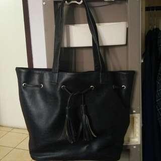 Catchery Black Bag