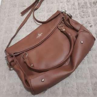 Tas coklat sling bag