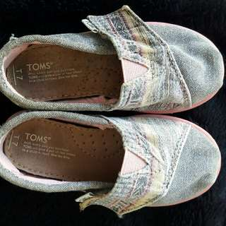 Authentic Toms Kids Tribal Woven Shoes