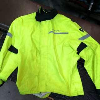 Rev it raincoat L size only