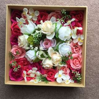 📌REDUCED PRICE. Box Of Fake Flowers Decor