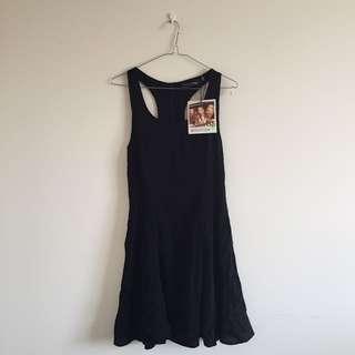 BNWT MINKPINK Dress 🌻