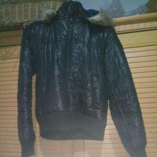 Jaket hitam hoody