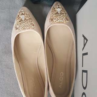 Aldo Clore Tiger Nude Pointed Ballet Flats in Natural
