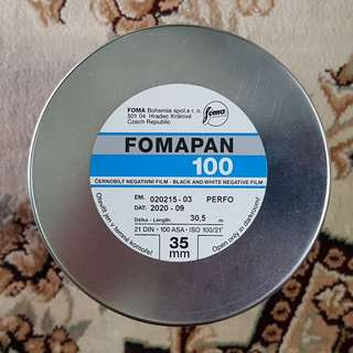 35mm Fomapan Classic 100 30.5m Black & White Fresh Bulk Film ( iso 100 ) 135 format