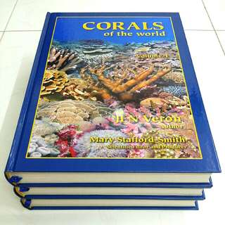 Corals of the World Vol 1, 2 & 3 by Dr J.E.N. Veron  and Dr Mary Stafford Smith c/w Hard Slip Case (Adult Non-Fiction Marine Reef Coral Aquarium Hobby Reference)