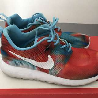Authentic Nike Roshe Run US 3.5y