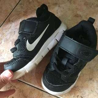 Nike anak. Sepatu nike for child