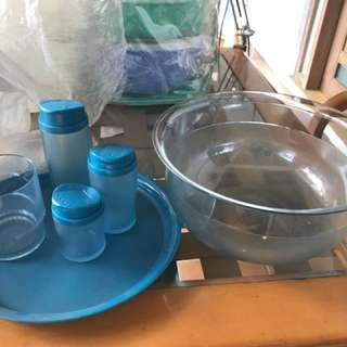 Tupperware salad set