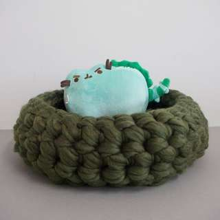 Forest green Handmade Wool Catbed