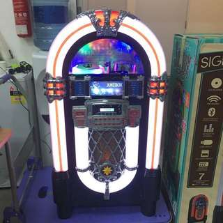 Multimedia Jukebox with Bluetooth technology from Australia