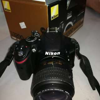 Nikon D3200 , sc 2k only , display unit , like new