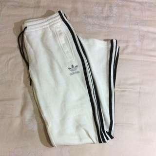 adidas 全新運動褲 400