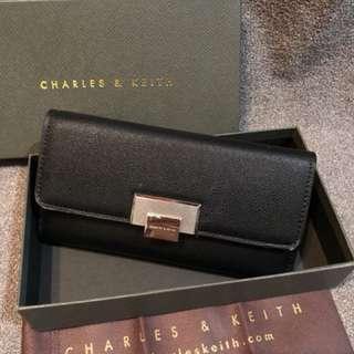Charles n keith wallet - black
