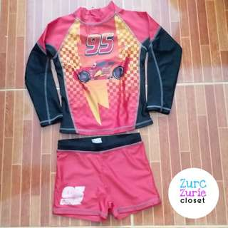 Rash Guard | Fit to chubby 4 - 6 (petite) | Very Good Condition ( bottom print is faded already)