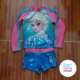Frozen Rash Guard | Size 2T ( may fit chubby 1T) | Excellent Condition