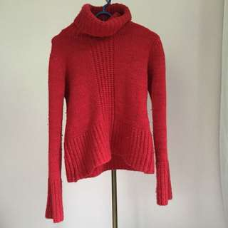 Red knitted turtleneck