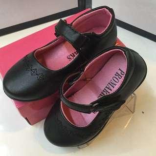 Blackshoes/schoolshoes