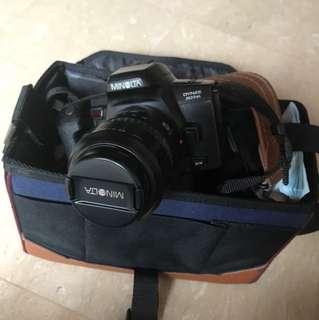 Minolta Dynax 303si camera