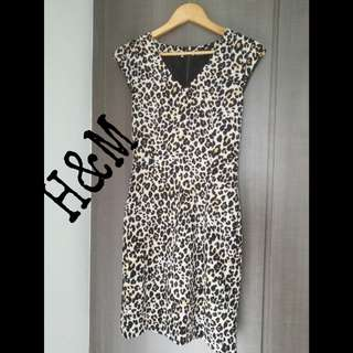 H&M Leopard Print dress