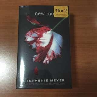 New Moon by Stephanie Meyer