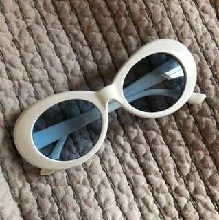 KURT COBAIN 90s SUNGLASSES