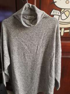 Sweater Basic turtle neck stradivarius ada bukti struk jg