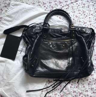 Balenciaga 黑色皮手袋