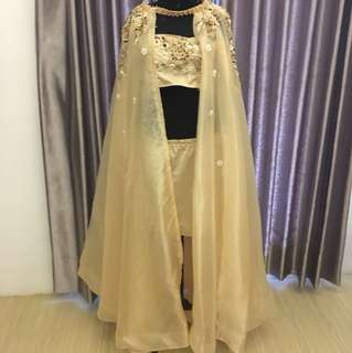 Maternity gown