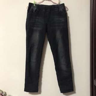 黑色鋪毛牛仔褲