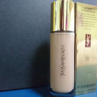 Yves Saint Laurent Le Teint Touche Eclat Illuminating Foundation