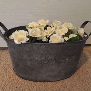 Rustic style plant pot with handles & artificial flowers