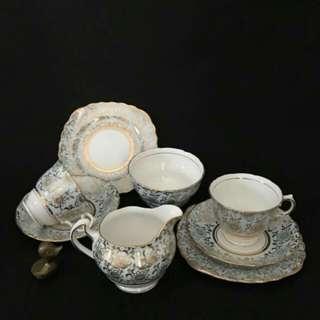 Set Cawan Vintage Colclough , Fine Bone China