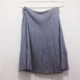 Med Grey Skirt