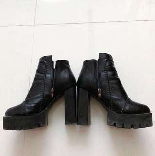 高跟粗跟短靴(可議價)