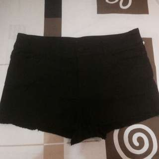 👇🏻NETT PRICE🙏🏻 [REPRICE!] Celana pendek H&M (black)