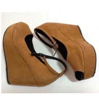 ❤️Cassy Wedge Tan Suede❤️