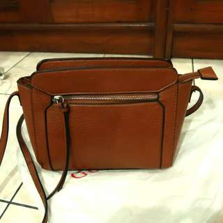 Stradivarius sling bag preloved
